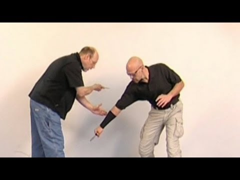 Personal Defense Tips: Blades - Defensive Responses with a Knife