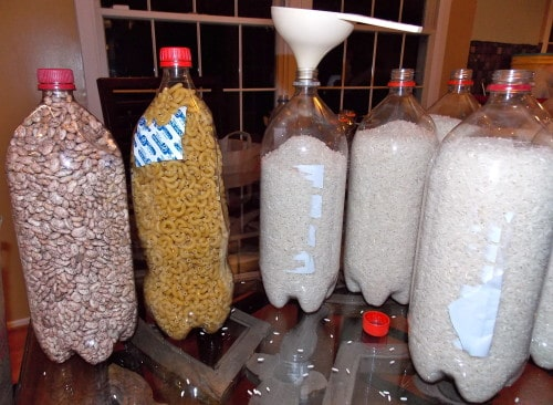 food-storage-in-soda-bottles1
