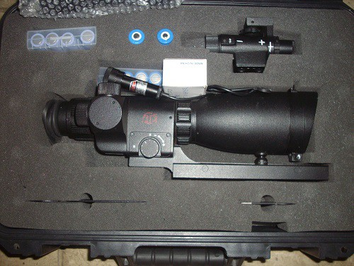 ATN Aries MK8900 Crusader GEN3+ weapons site in case with IR illuminator ,tools and batteries