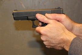 gunpoint-308107__180