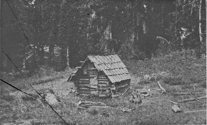 small cabin settlement in Oregon